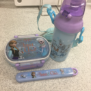 アナ雪弁当箱、箸、水筒セット