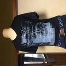 【ほぼ新品】メンズVネックデザインTシャツM【半袖】