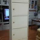 中古 白い棚 組み立て家具 引き取りに来てくださる方に差し上げます。