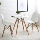 テーブルと椅子(2脚)