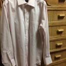 薄い桜色のメンズワイシャツ M