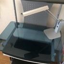 【値下げ】無印の卓上ランプ+チェアー付き!ガラス製PCデスク