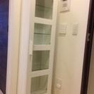 狭い場所にもフィット!たっぷり収納・白い食器棚(IKEA)