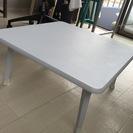 500円で白いローテーブル差し上げます。