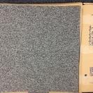 TOLIのグレーのタイルカーペット 1枚100円