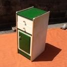 【お取り置き中】懐かしい感じのする電話台・収納家具でございます 緑...