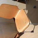 テーブルと椅子2個