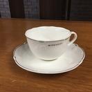 ジバンシィ ティーカップ&ソーサー 4客セット (+ソーサー1枚)