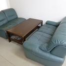 1人掛けソファー4個とテーブルセット 座面高さ約370mm 背面高...