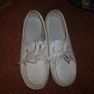 白靴あげます