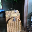 籐製のアタッシュケース