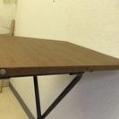 木目調のお手製のテーブル!