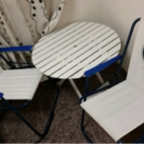 テーブルと椅子2脚のセット
