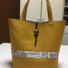 ハンドメイドのハンドバッグ