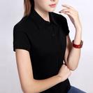 黒の半袖ポロシャツ
