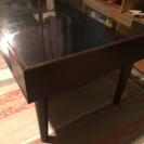 ガラスのモダンローテーブル 無料