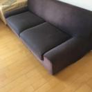YESNOのソファ