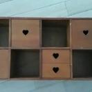 木製の小ぶりな飾り棚 CD収納 カントリー雑貨