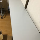 長テーブル2台、スタッキングチェア2台、パイプ椅子4台