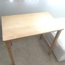折りたたみテーブル − 東京都