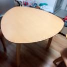 値下げ中‼︎))三角形のダイニングテーブル 3〜4人用