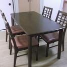 ダイニングテーブル、椅子4脚付き