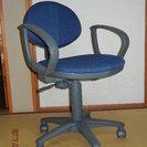 学習机用肘付き椅子