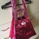 デッカいピンクのバッグ差し上げます