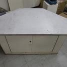 【お譲りします】白い木製の商品陳列棚 【テレビ台等に】