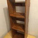 木製のアンティークな本棚