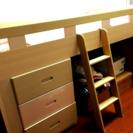 【子供部屋のロフトベッド】かわいいピンク調。3段チェスト付き。★6...