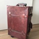 革製スーツケース