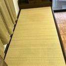 畳マット式のシングルベッド です。