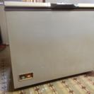 【無料】冷凍庫 横長で中型