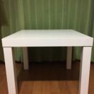 テーブル  白  ¥500