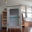 小さなキャビネット 収納 飾り棚