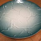 青い大きな皿