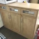 キッチンカウンター 兼 食器棚 とイス2脚