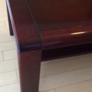 ダークブラウンの大きめローテーブル