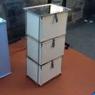 【お話し中】収納家具 枠が鉄製で一部手作り 3段 使用感はございま...
