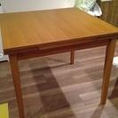 ニトリのテーブル、サイズ調整可能