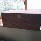 昭和レトロな木製衣装ケースです