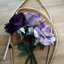 ♪高級花材造花 asca 直径32cmの紫系大輪バラ 濃淡3輪+ダ...