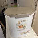 オムツのゴミ箱 ピーターラビット