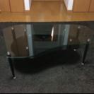 ガラス製テーブル