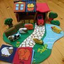 エドインター 布のおもちゃ「ふわふわファームハウス」