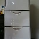 2011年冷蔵庫3ドア 売ります