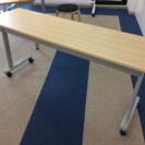折りたたみ式テーブル 2つ