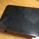ブラックの折りたたみテーブル