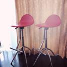 カウンター用の赤い椅子 2500円